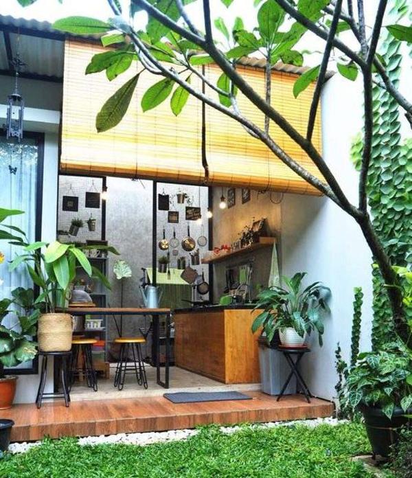 dapur terbuka dengan tirai bambu