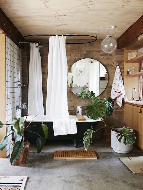 kamar mandi dengan aksen kayu