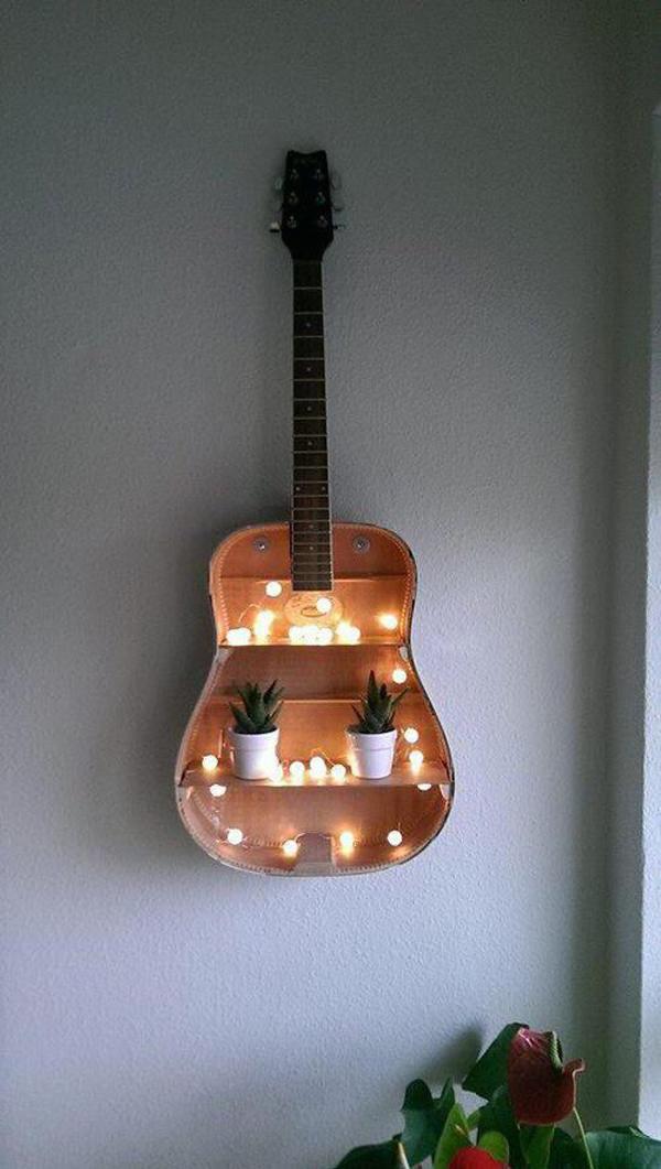 desain-gitar-daur-ulang-untuk-rak-lilin