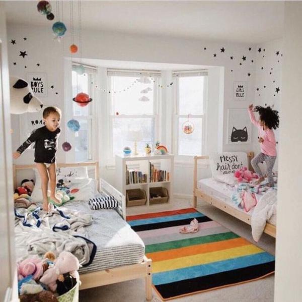 desain-kamar-tidur-anak-bersama-dengan-wallpaper