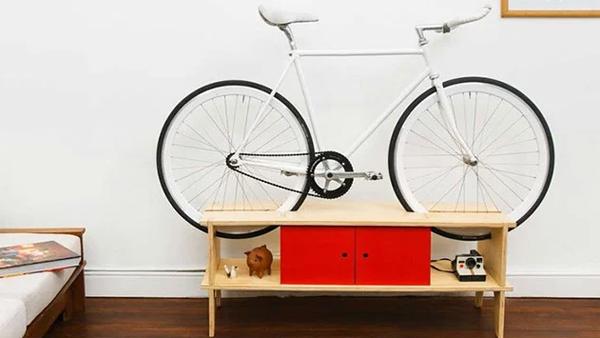 desain-meja-minimalis-dengan-rak-sepeda