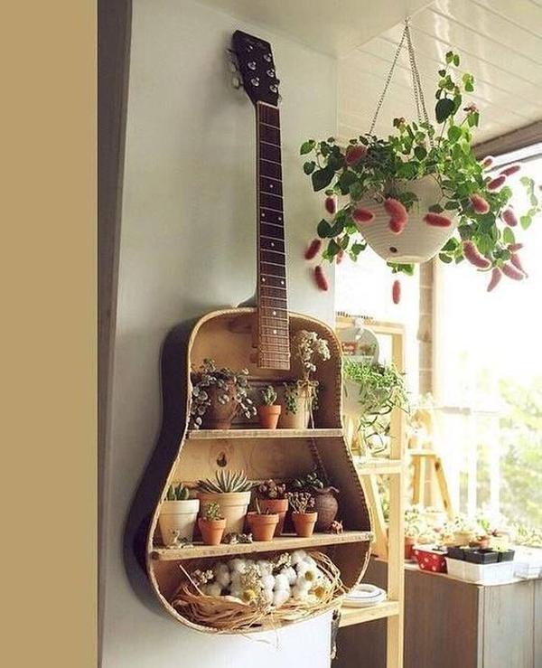 desain-rak-tanaman-dari-gitar