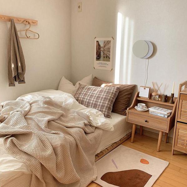 desain-kamar-tidur-korea-dengan-perabotan-kayu
