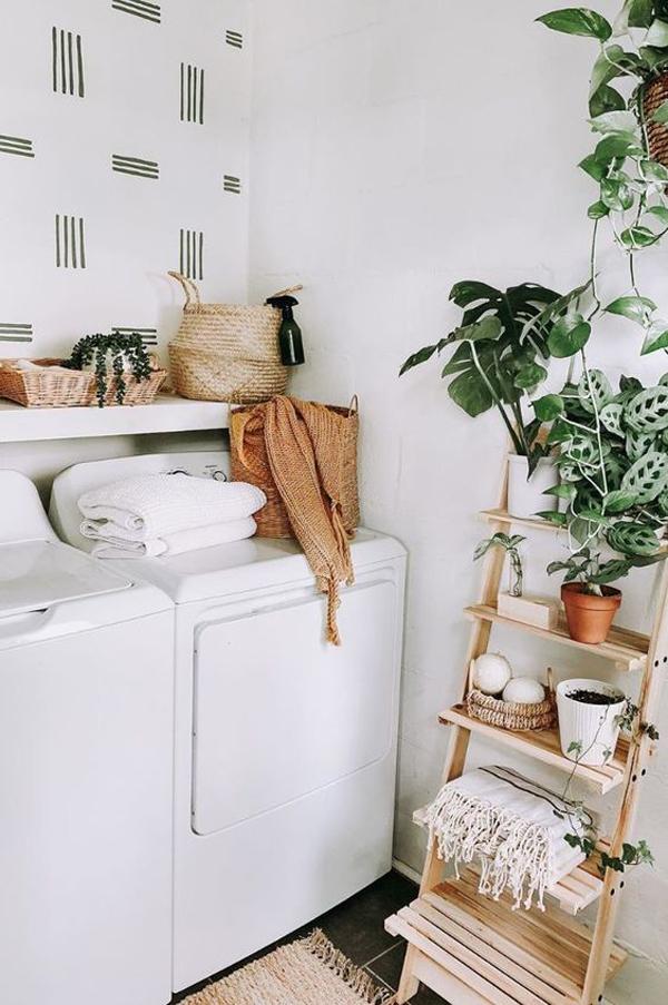 desain-ruang-cuci-minimalis-dengan-tangga-penyimpanan-tanaman-hias
