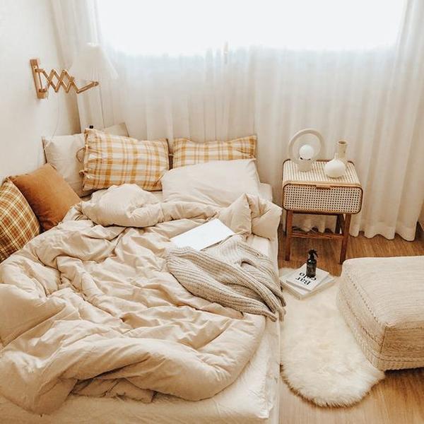 kamar-tidur-dengan-motif-kotak-kotak