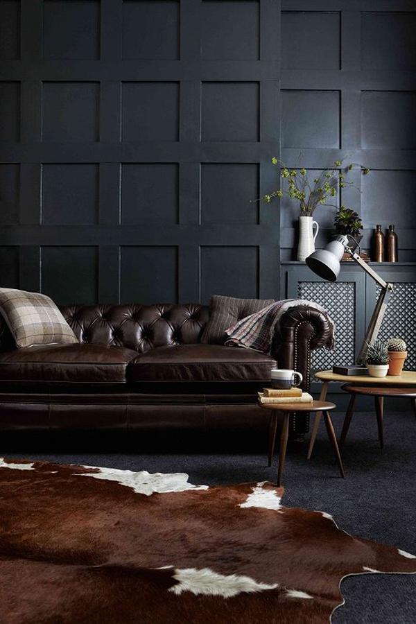 ruang-hitam-maskulin-dengan-sofa-kulit