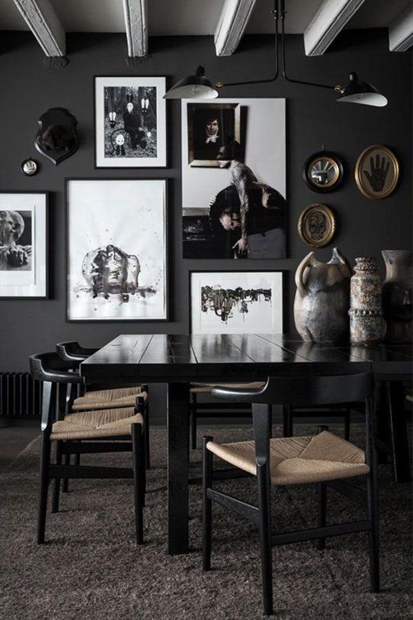 ruang-makan-bernuansa-gelap-dengan-dinding-galeri