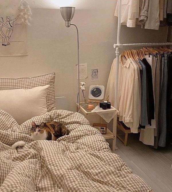 sarung-bantal-dan-bed-cover-kotak-kotak-ala-korea