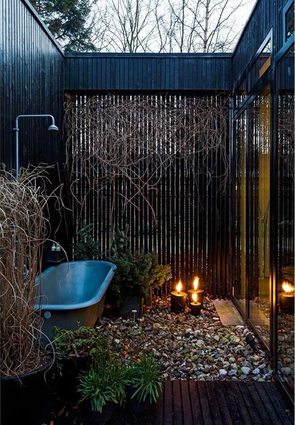 dekorasi-kamar-mandi-terbuka-yang-romantis