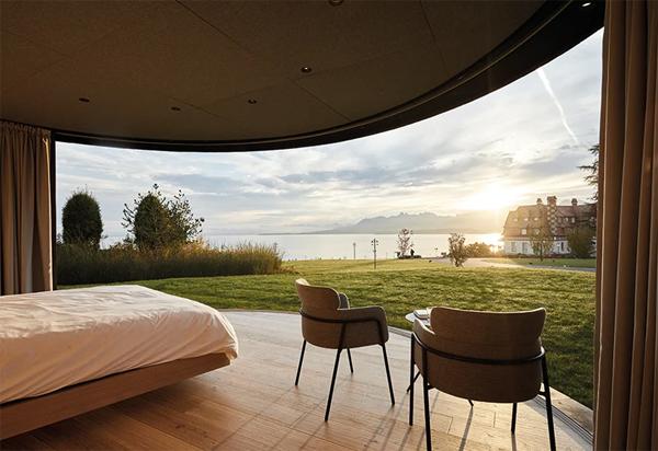 kabin-melengkung-dengan-pemandangan-alam-terbuka