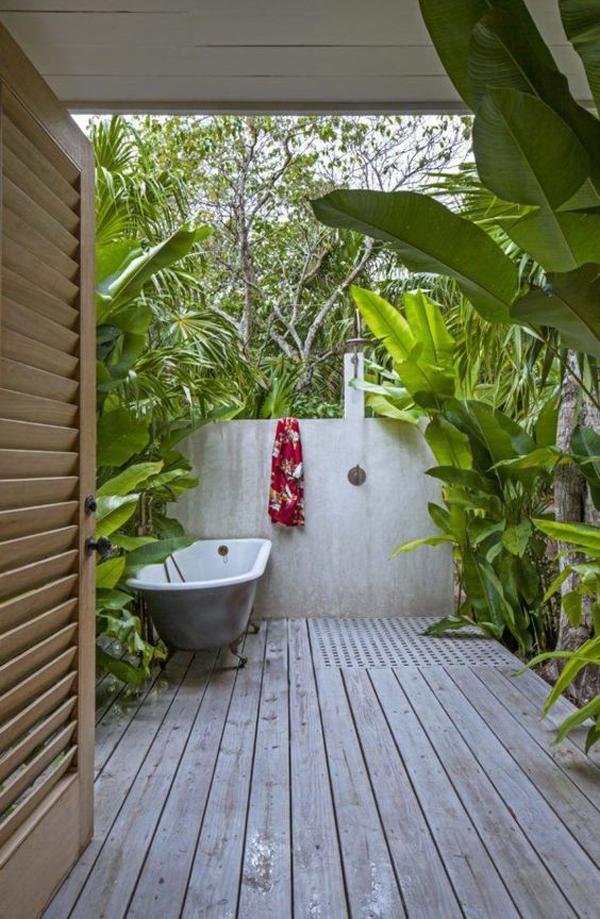 kamar-mandi-luar-ruangan-bergaya-tropis