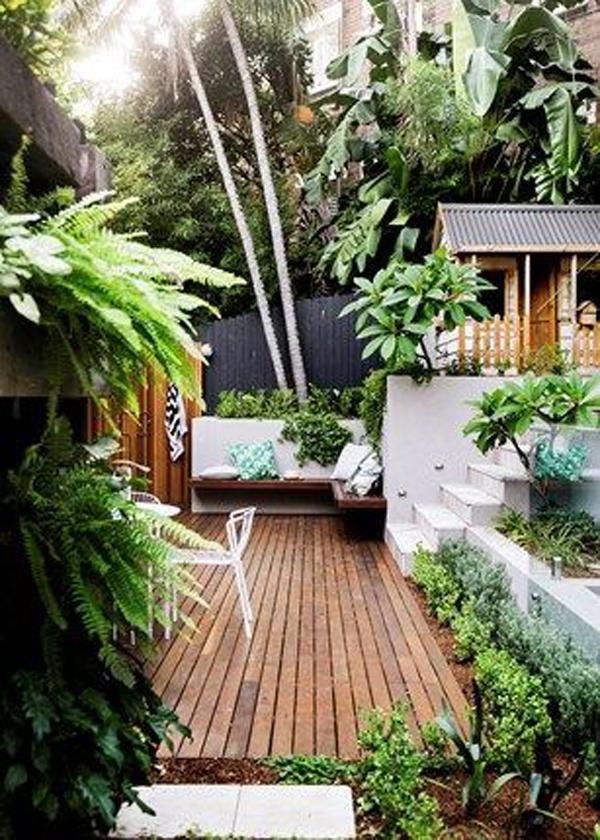 desain-taman-tropis-untuk-area-kecil