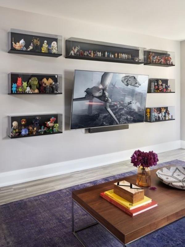 galeri-dinding-action-figure-di-ruang-TV