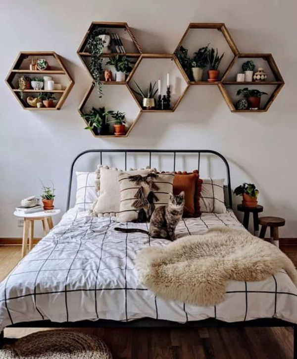 rak-dinding-tanaman-kamar-tidur-bentuk-segi-lima