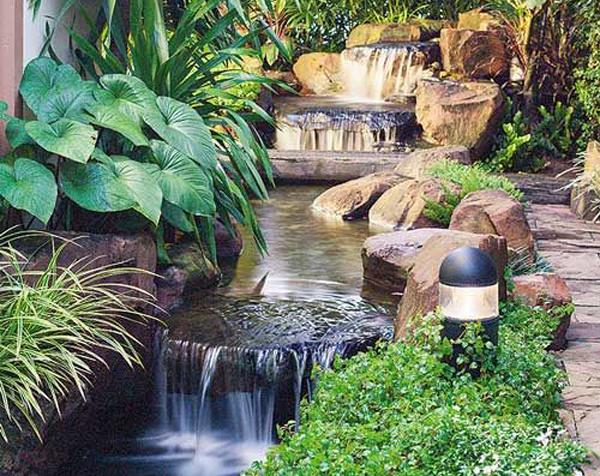 sungai-taman-bergaya-tropis