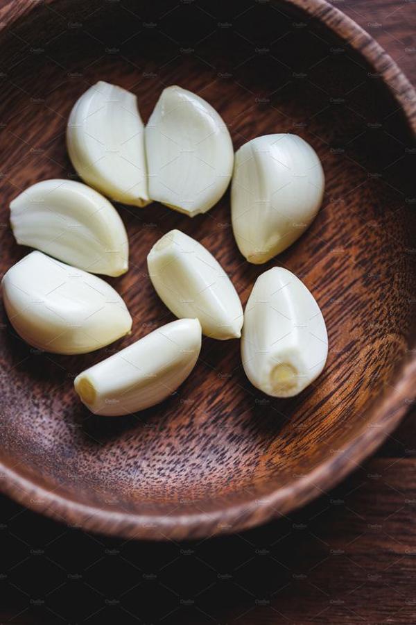 bawang-putih-yang-berguna-untuk-usir-semut