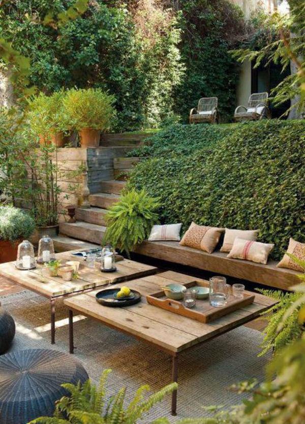 desain-ruang-tamu-outdoor-dengan-lanskap-taman