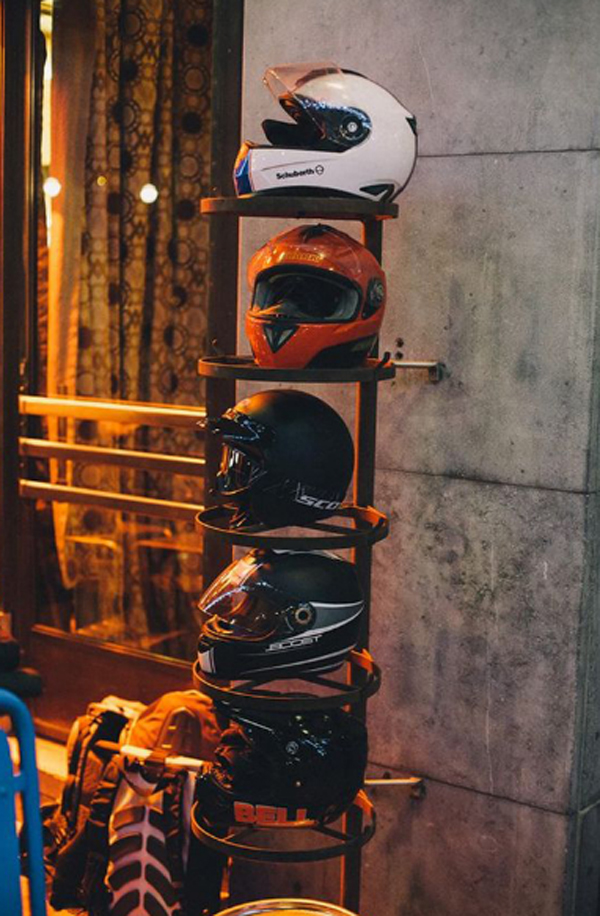 rak-susun-besi-untuk-menyimpan-helm