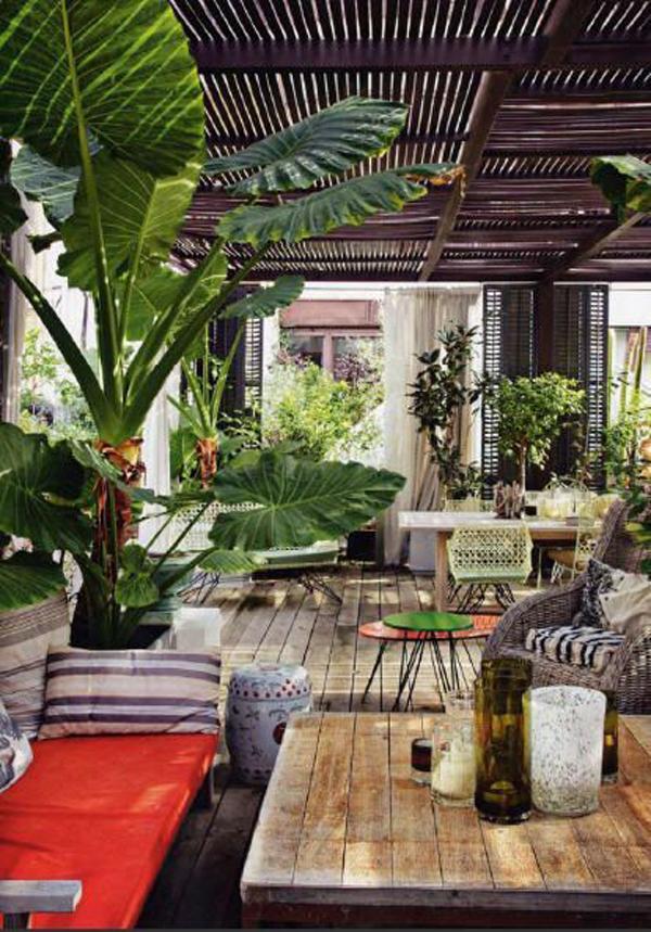 ruang-tamu-dalam-dan-luar-ruangan-bertema-tropis