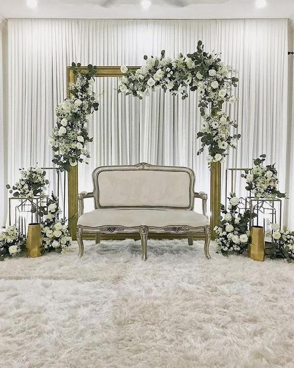 dekorasi-tunangan-simple-dan-elegan