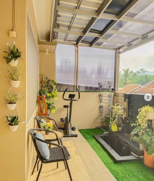 desain-kolam-ikan-minimalis-di-area-balkon
