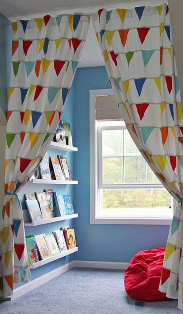 desain-ruang-baca-anak-dengan-tirai