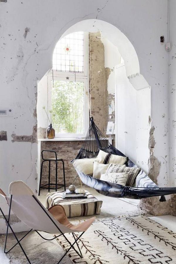 gaya-interior-industrial-dengan-tempat-tidur-gantung