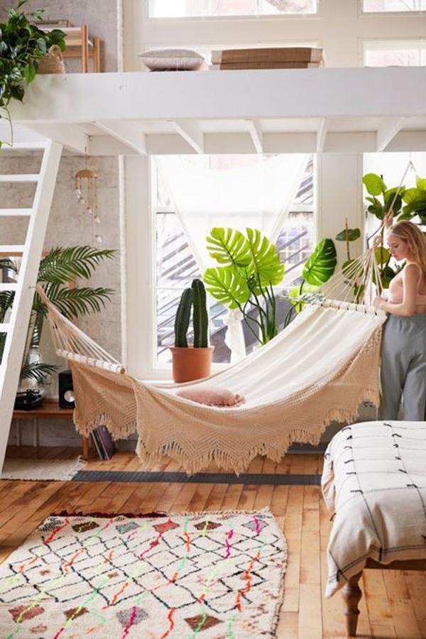 ide-hammock-dengan-tanaman-hias