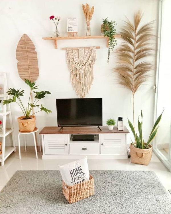 ruang-keluarga-mungil-dengan-hiasan-estetik