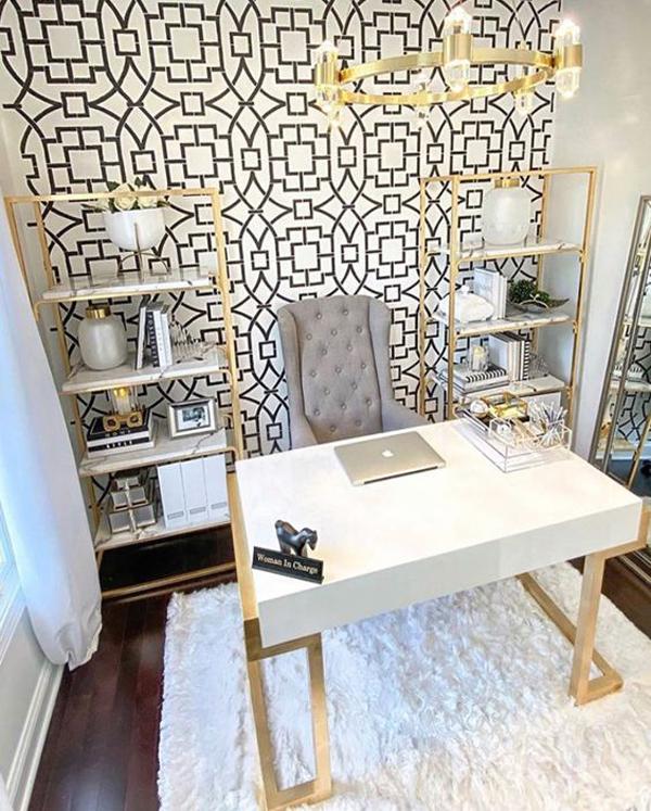 ruang-kerja-cantik-dengan-latar-wallpaper