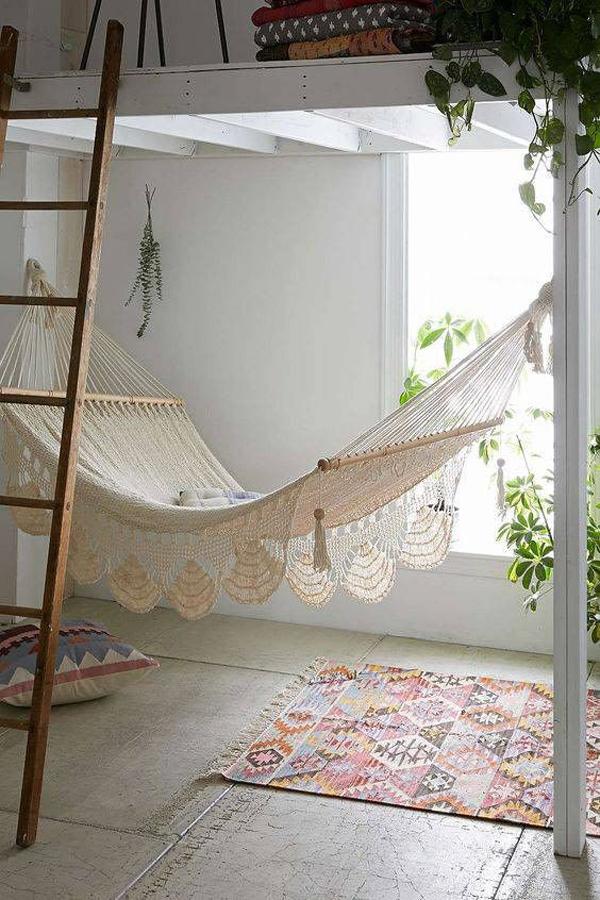 tempat-tidur-gantung-bergaya-bohemian