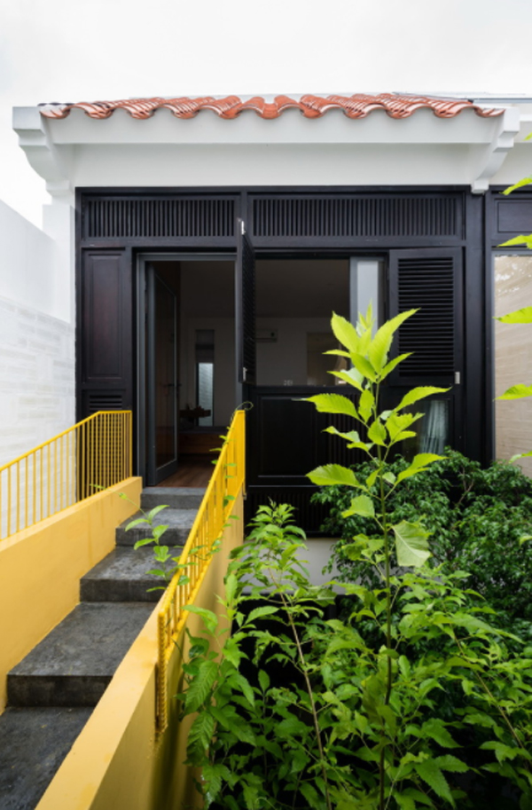 desain-tangga-luar-kuning