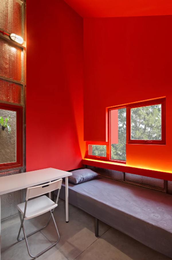 ide-kamar-tidur-merah-minimalis