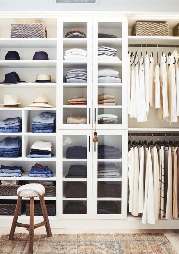 ide-mengatur-lemari-pakaian-dengan-paduan-warna