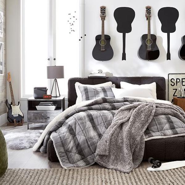 kamar-tidur-musik-dengan-dekorasi-dinding-gitar