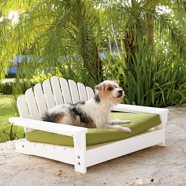 tempat-tidur-anjing-berbentuk-kursi-taman