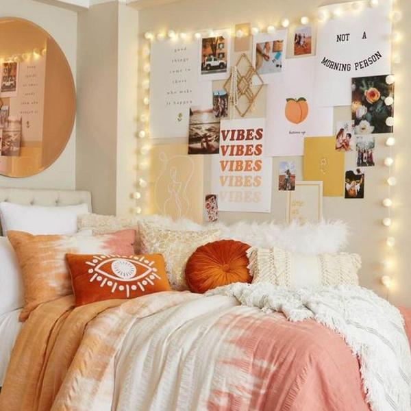 dekorasi-memo-dinding-kamar-tidur-dengan-string-light