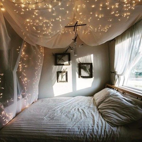 desain-kelambu-kamar-tidur-dengan-string-light