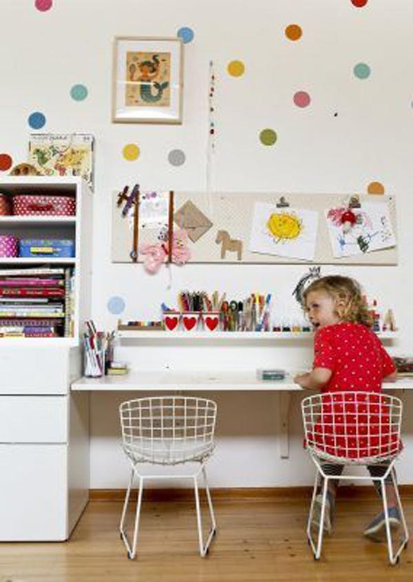 desain-meja-belajar-simple-untuk-bersama
