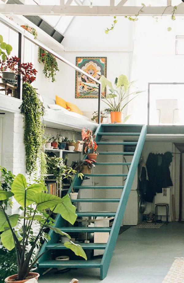 desain-tangga-minimalis-dengan-pot-tanaman