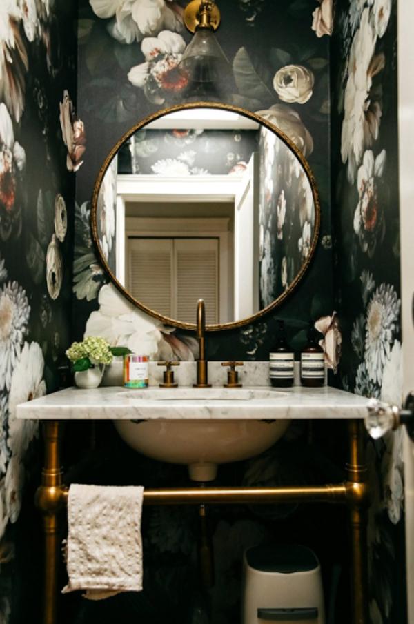 ide-wallpaper-kamar-mandi-bertema-bunga