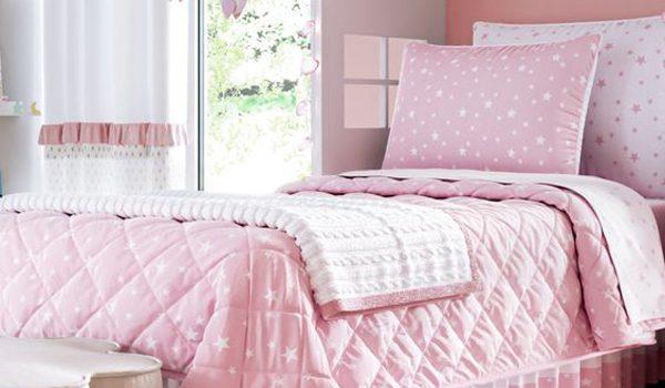 desain-kamar-anak-pink-dengan-sandaran-kepala-unik